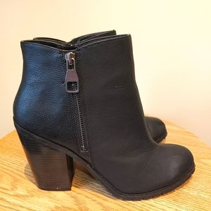 Call it Spring women's Ankle black booty size 11